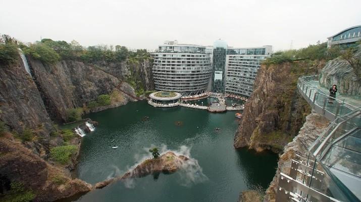 Saat Bekas Lokasi Tambang Disulap Jadi Hotel Bawah Air
