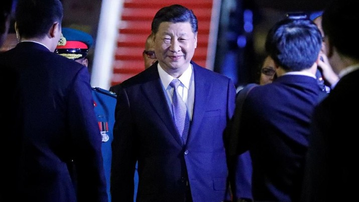 Chinese President Xi Jinping arrives ahead of the Asia-Pacific Economic Cooperation (APEC) Summit, in Port Moresby, Papua New Guinea, November 15, 2018. REUTERS/David Gray