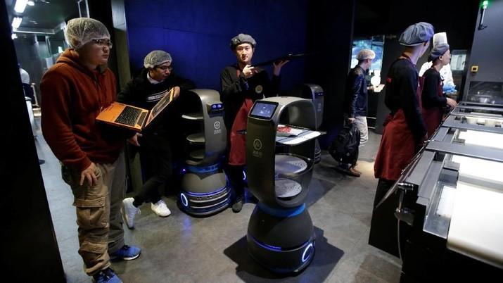 Pengelola Bandara Indonesia akan Gunakan Robot