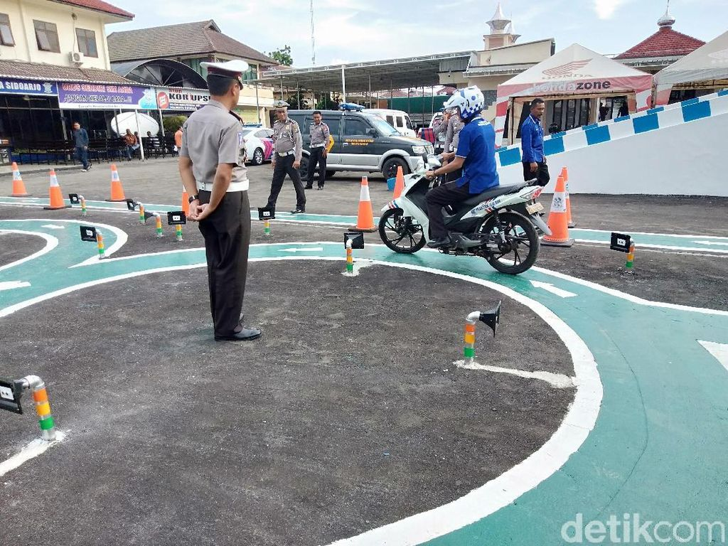 Ujian Praktik SIM C Pakai Sensor, Akankah Diterapkan di Jakarta?