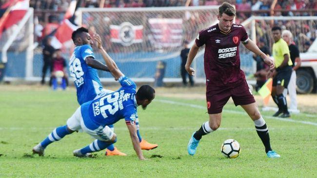 Gomez Sebut Biasa Duet N'Douassel-Patrich di Persib Nihil Gol