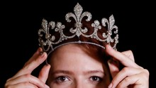 Liontin Warisan Marie Antoinette Terjual Rp528 Miliar