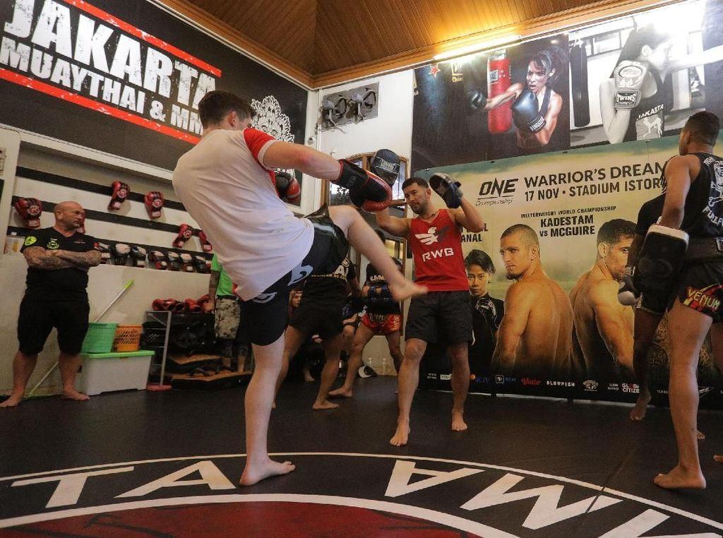 Intip Latihan MMA Jelang ONE Championship