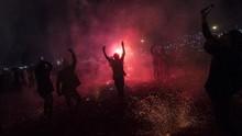 FOTO: Mengusir Roh Jahat di Myanmar Lewat Lampion