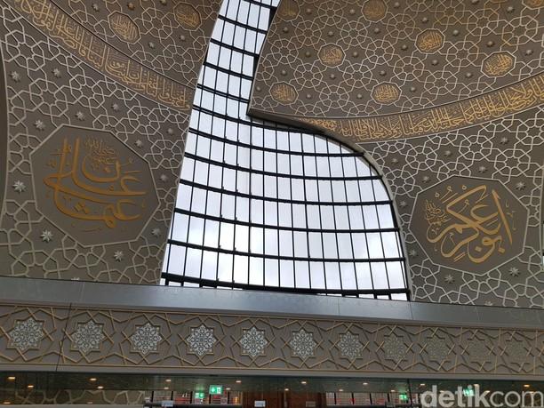 Mengunjungi Masjid Keren yang Diresmikan Erdogan di Jerman
