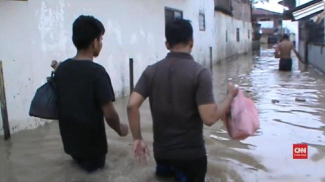 VIDEO: Ratusan Rumah di Medan Terendam Banjir