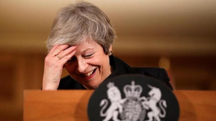 Beberapa anggota parlemen Partai Konservatif yang dipimpin Perdana Menteri Theresa May mengatakan mereka telah mengirimkan surat pengajuan mosi tidak percaya.