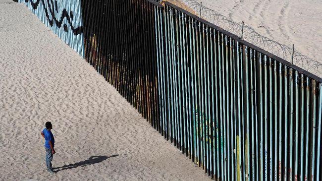 AS Kembalikan Pencari Suaka Pertama ke Meksiko