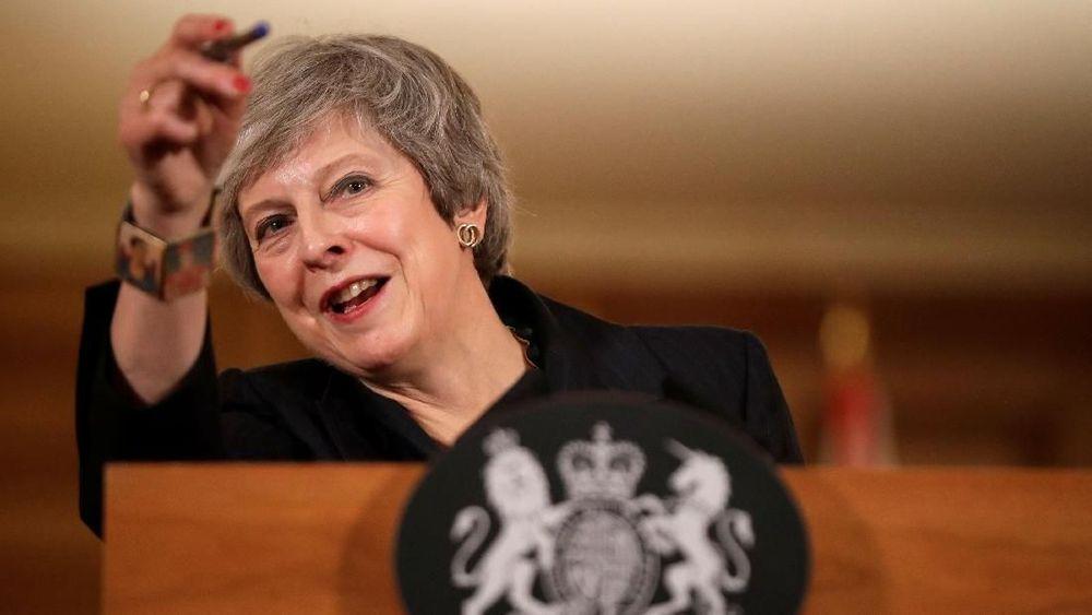 Setelah hampir 20 bulan Uni Eropa (UE) dan Inggris bernegosiasi, akhirnya kedua pihak membuat rancangan kesepakatan mengenai keluarnya Inggris dari blok tersebut. (Matt Dunham/Pool via Reuters)