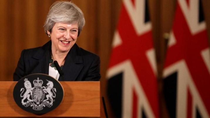 Langkah ini dimaksudkan untuk membatasi penentangan dari anggota parlemen dan mendapatkan lebih banyak waktu untuk melanjutkan negosiasi dengan Uni Eropa.