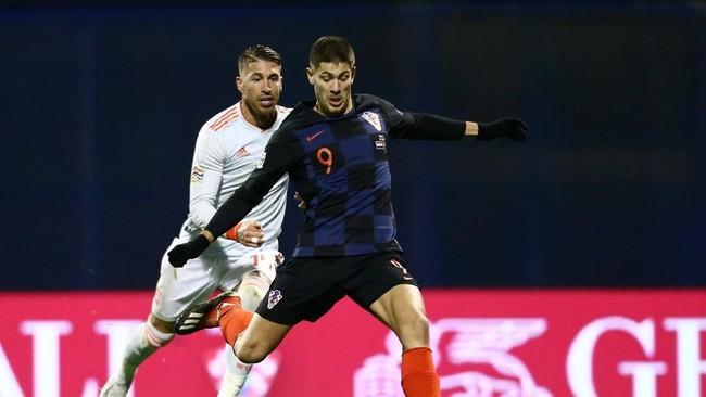 Kroasia menghadapi Spanyol dalam duel sengit di ajang UEFA Nations League. (REUTERS/Antonio Bronic)
