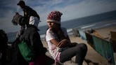 Jika ditolak, para imigran tersebut akan dideportasi, kembali ke negaranya yang penuh kekerasan. (Reuters/Adrees Latif)
