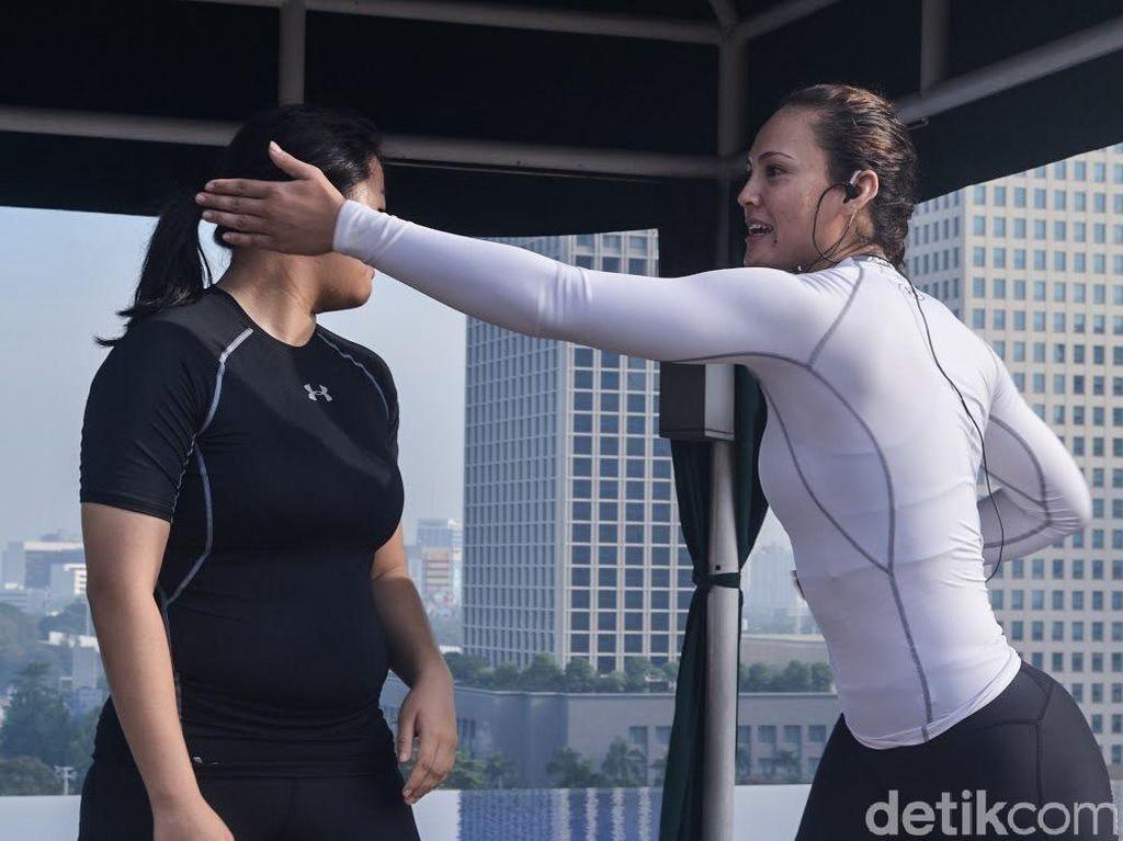 Atlet Cantik Simone Julia Belajar Jiu-Jitsu Biar Makin Pede Pergi Sendiri