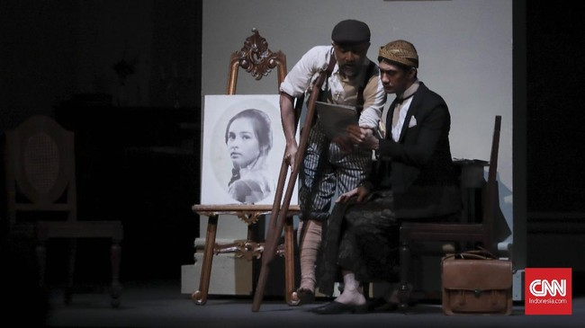 Ke Batavia, Minke membawa serta lukisan potret Annelies yang dilukis oleh sahabatnya Jean Marais. Minke memberi nama lukisan itu, Bunga Penutup Abad. (CNN Indonesia/ Hesti Rika)