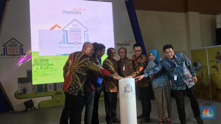 Target program Sejuta Rumah yang diluncurkan oleh Presiden Joko Widodo sejak tiga tahun lalu belum pernah tercapai.