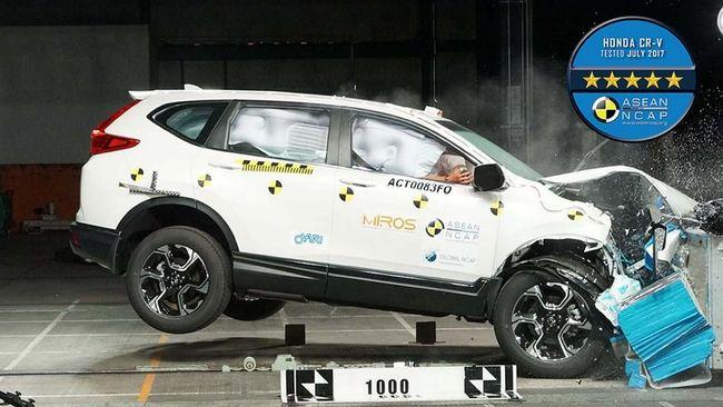 CR-V Konsisten 5 Bintang Uji Tabrak ASEAN NCAP