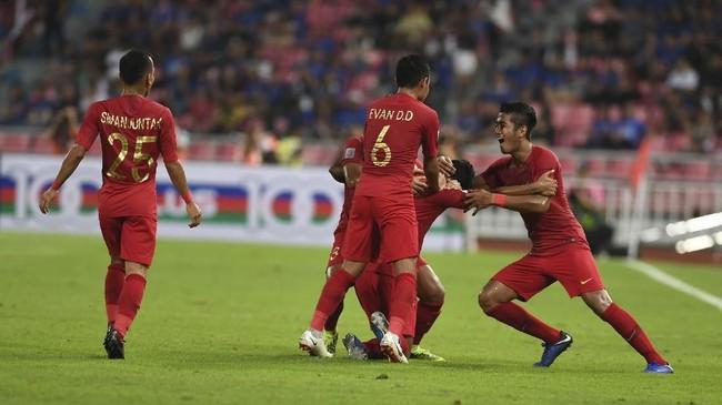 Timnas Indonesia membuat kejutan di Stadion Rajamangala dengan mencetak gol lebih dulu di menit ke-29. (ANTARA FOTO/Akbar Nugroho Gumay)