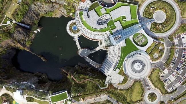 Proses konstruksi dilakukan sejak 2013 yang menelan biaya pembangunan hingga US$288 juta.(AFP/ Johannes EISELE)