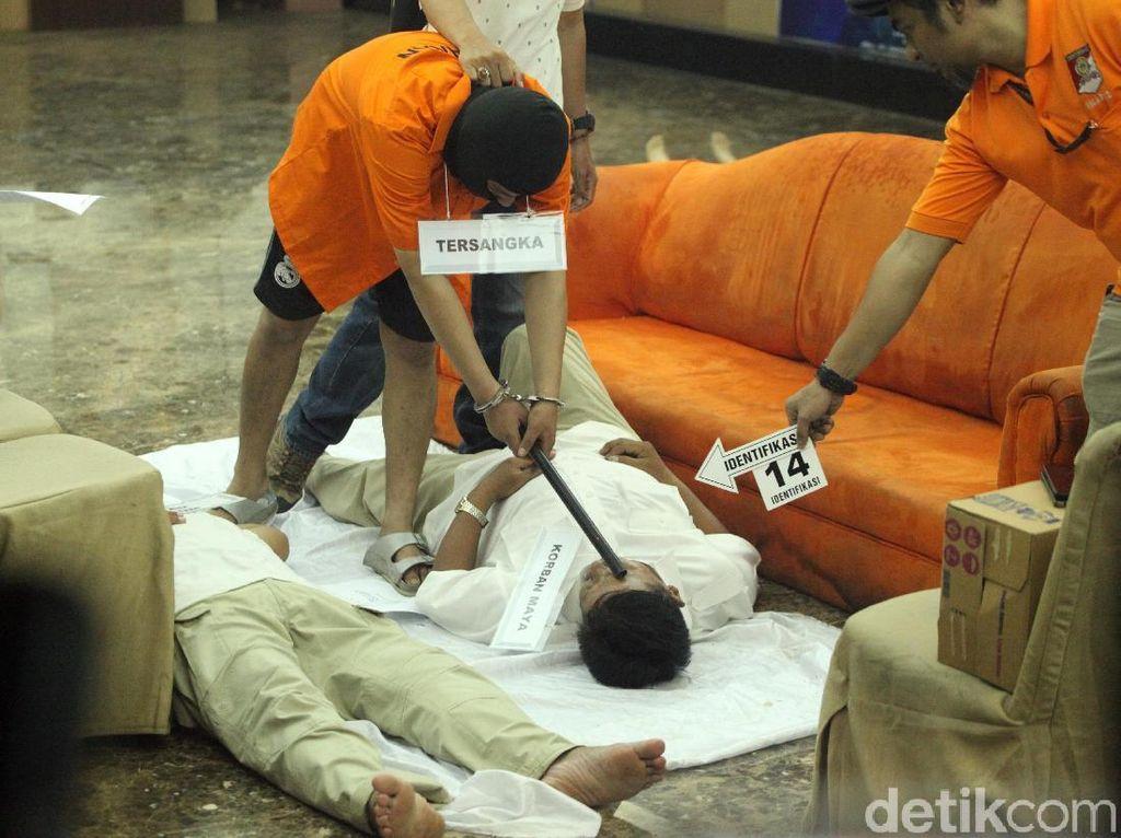 Begini Prarekonstruksi Pembunuhan Satu Keluarga di Bekasi
