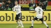 Timnas Jerman unggul cepat atas Belanda pada menit kesembilan melalui gol Timo Werner yang melepaskan tendangan keras dari luar kotak penalti. (REUTERS/Leon Kuegeler)