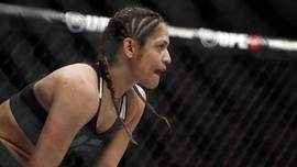 Petarung Wanita UFC Marah Harus Telanjang di Timbang Badan