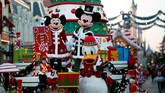 Micky mouse, minie mouse, dan Donald duck adalah beberapa di antara sekian banyak tokoh Disney yang akan menghangatkan suasana.