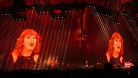 VIDEO: Aksi Pamungkas Taylor Swift di Tur 'Reputation'