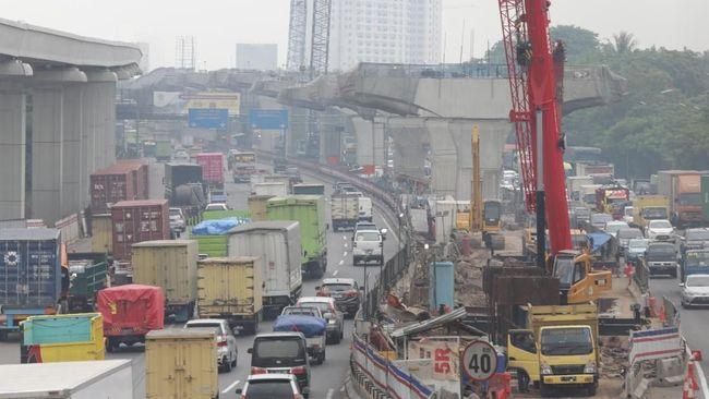 Padat, Contraflow Tol Jakarta-Cikampek Diberlakukan di Km 34