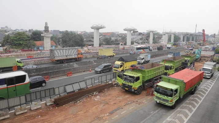 pengerjaan proyek Tol Jakarta-Cikampek (Japek) Elevated II dilanjutkan.