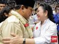 Emak-emak Riuh Lihat Titiek Soeharto Baca Ikrar untuk Prabowo