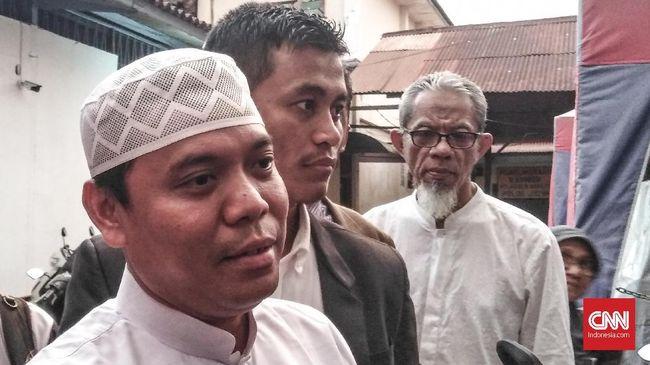 Sidang Vonis Gus Nur, Massa Santri Doa Bersama di Pengadilan