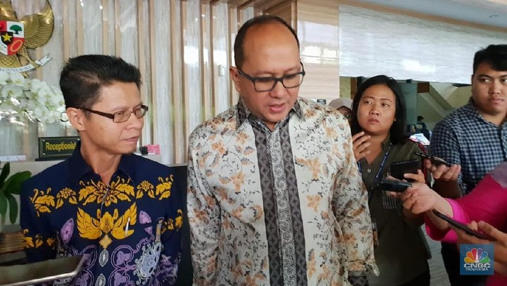Ketua Umum Kamar Dagang dan Industri (Kadin) Rosan P Roeslani mengatakan dirinya setuju apabila maskapai asing beroperasi di Indonesia.