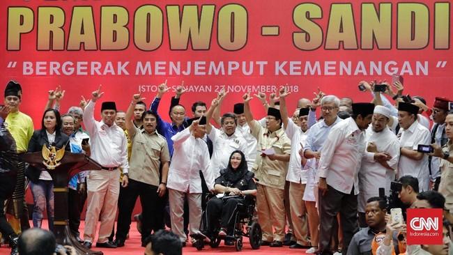 Sejumlah tokoh koalisi 'Indonesia, Adil Makmur' yang mengusung Prabowo-Sandi di pilres 2019 hadir dalam deklarasi.DiantaranyaAmien Rais, Ferdinand Hutahaean, Sohibul Iman, Rachmawati Soekarnoputri, Eddy Soeparno, Djoko Santoso, Neno Warisman, dan Ahmad Dhani. (CNN Indonesia/Adhi Wicaksono)