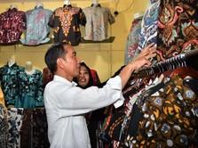 Ketika Jokowi Belanja Batik di Pasar Pekalongan