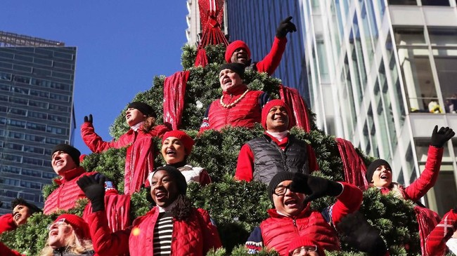 Parade Macy's Thanksgiving Day hari itu terasa cukup