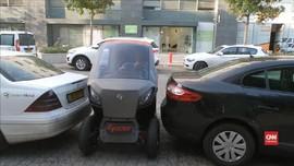 VIDEO: Mobil Mungil yang Mampu Parkir Di Tempat Sempit