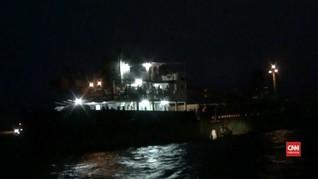 VIDEO: Kapal Material Tenggelam di Bali, 7 ABK Masih Hilang