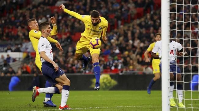 Chelsea hanya berhasil mencetak satu gol balasan melalui Olivier Giroud di menit ke-85. (REUTERS/Phil Noble)