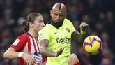 Barcelona terus berusaha mencetak gol penyama kedudukan di 13 menit waktu tersisa. (REUTERS/Paul Hanna)