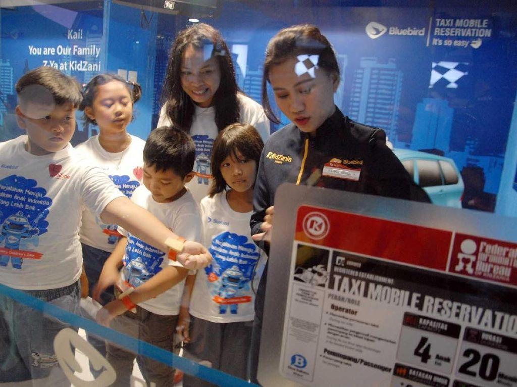 Memperingati Hari Anak Sedunia, Bluebird mendukung kualitas anak-anak Indonesia, dengan memberikan edutrip dan wawasan luas terkait profesi di dunia. Istimewa.