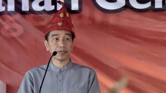 Jokowi soal Spanduk #JokowiBersamaPKI: Sabar, Sabar, Sabar