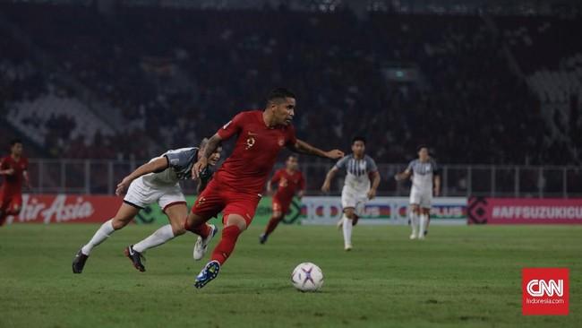Beto Goncalves kesulitan mendapat bola-bola matang dalam laga menghadapi timnas Filipina yang tampil solid dan disiplin mengawal lini pertahanan. (CNN Indonesia/Adhi Wicaksono)