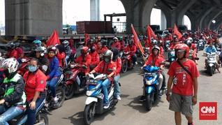 Massa Buruh Demo di Tanjung Priok Menolak Upah Murah