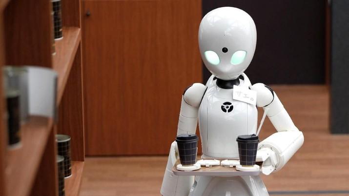 Wow! Ada Robot Pelayan yang Dikendalikan oleh Disabilitas