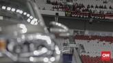 Tribune Stadion Utama Gelora Bung Karno tidak terisi penuh. Laga hanya disaksikan langsung oleh belasan ribu penonton. (CNNIndonesia/Adhi Wicaksono)