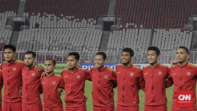 Dalam laga menghadapi timnas Filipina, Bima Sakti menurunkan starter yang tidak banyak berubah dari pertandingan ketiga ketika menghadapi timnas Thailand. (CNNIndonesia/Adhi Wicaksono)