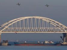 Rusia Tembaki & Sita 3 Kapal Ukraina yang Lintasi Laut Crimea