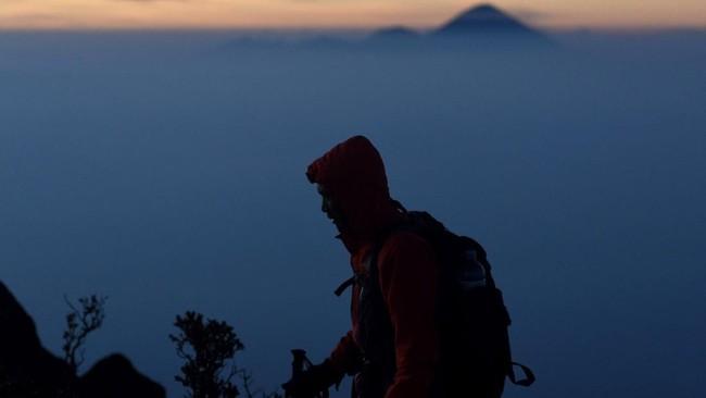Dari puncak Gunung Arjuno, pendaki dapatmelihatbeberapa gunungsekitarnya seperti Gunung Semeru, Gunung Welirang, dan Gunung Penanggungan.