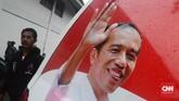 Kegiatan relawan yang mengundang capres nomor urut 01 Jokowi itu disebutkan dihadiri sekitar 7.000 orang yang berasal dari berbagai elemen profesi dari mulai petani, supir, karyawan pabrik, mahasiswa, hingga guru. (CNN Indonesia/ Harvey Darian)