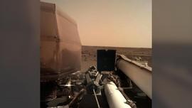 InSight  Kirimkan Foto Mars Pertamanya